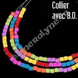 Parure 3 rangs de de cubes multicolores avec boucles d'oreilles